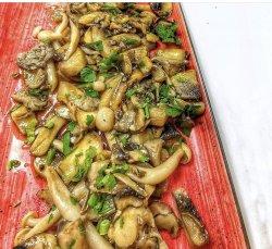 Mix de ciuperci de pădure și dressing de soya image