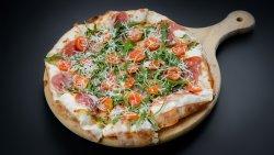 Pizza quatro formaggi specială image