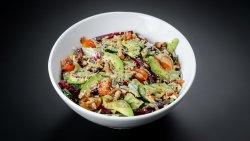Salată crocantă cu spanac și avocado image