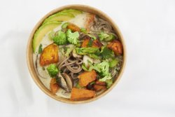 Green curry noodles image