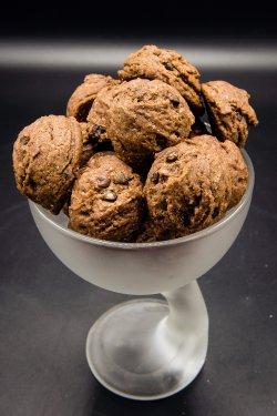 Biscuiți artizanali cu ciocolată image