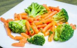 Brocolli cu baby morcovei image