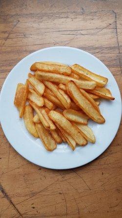 Cartofi prăjiți, maioneză cu usturoi image