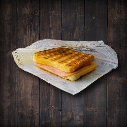 Sandwich cu șuncă image