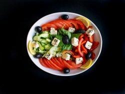 Salată grecească cu brânzeturi Albota image