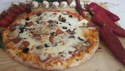 Pizza boierească image