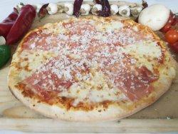 Pizza prosciutto crudo e gorgonzolla image