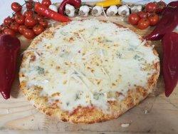 Pizza quatro formaggi image