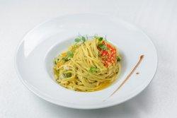 Spaghette Aglio Olio e Pepperoncino image