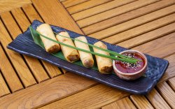 Spring Rolls & Dipping Sauce image