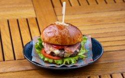 The Biutiful Beefburger: The Unadulterated Classic image