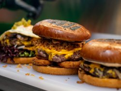 30% Reducere Onion n Cheese Burger  image