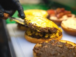 30% Reducere Simply the Best Burger image