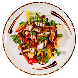Salată Pollo image