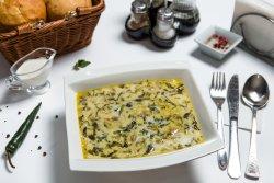 Supă de salată verde cu afumătură image