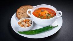 Supă gulaş cu crutoane image