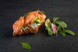 Clatita cu somon/ Smoke salmon pancake image