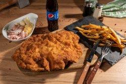 Ail Schnitzel + cartofi + suc /apa image