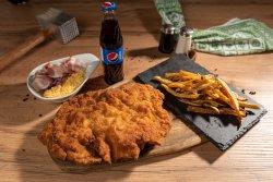 Swiss Schnitzel + cartofi + suc/apa image
