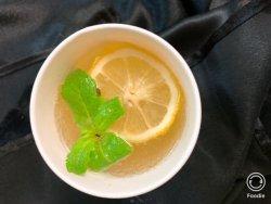 Limonadă  cu miere și mentă image