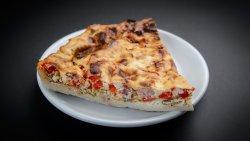 Tarte fine aux mozzarella, tomates et basilic image