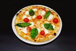 Pizza Margherita Fresca image