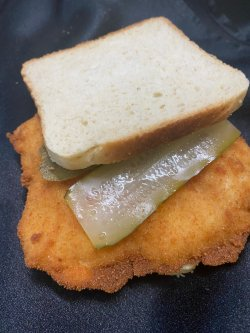 Sandwich cu șnițel de porc image