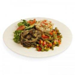 Orez cu legume, sote de ciuperci, legume mexicane, salată asortată și pâine