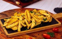 Cartofi prăjiți aromatizați cu usturoi și pătrunjel image