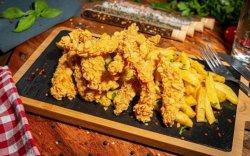 Meniu Crispy Strips cu cartofi prăjiti și sos de usturoi image