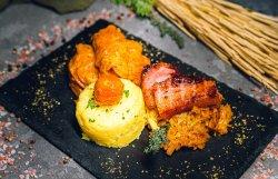Sarmale porc în foi de varză image
