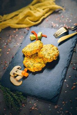 Chifteluțe din legume coapte în cuptor image