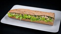Sandwich tradițional cu ton image