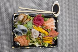 Sashimi combination for two (28 piese) image