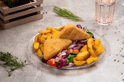 Cașcaval pane, cartofi prăjiți, mix de salată și roșii image