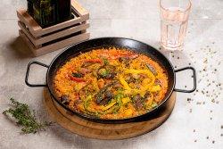 Paella de carne image