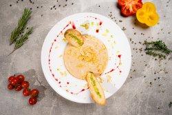 Supă cremă de hribi cu foie gras image