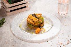 Wok de creveți,legume și orez aromatic image