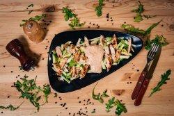 Salată di pollo image