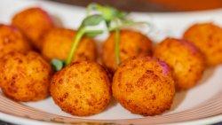 Bulete de cașcaval / Fried Cheese Balls  image