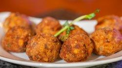 Chifteluțe din carne de pui și vacă / Fried Chicken & Beef Meat Balls image
