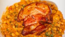 Iahnie de fasole cu ciolan afumat / Baked beans with smoked ham knuckle  image