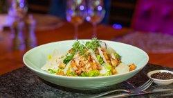 Salată Caesar cu pui / Caesar Salad with Chicken image