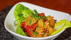 Salată de vinete cu ardei copți și usturoi/ Eggplant Salad with Baked Pepper and Garlic image