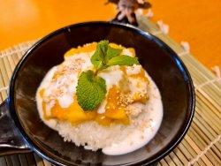 Xoi Xoai -  Mango sticky rice image