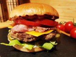 1+1 gratuit Classic Burger image