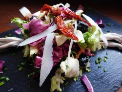 Salată fresh cu parmezan image