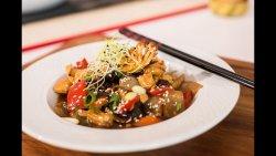 Caracatiță la wok cu legume thai image