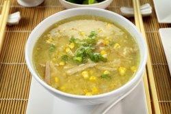 Supă de pui cu zdrențe de ou și porumb