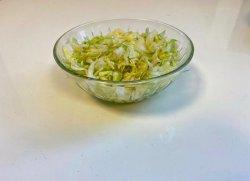 Salată de varză proaspătă image
